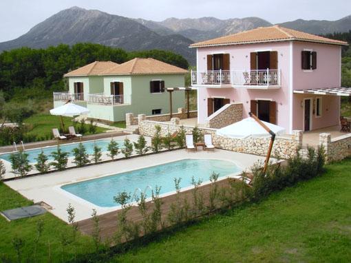 Lefkada villa indipendente una camera con balcone giardino - Immagini di villette con giardino ...