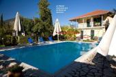 Villa Temistocle con moletto privato 1-6